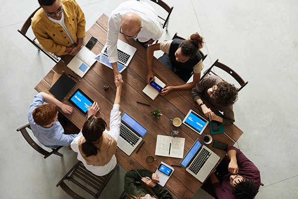 team-clossing-business